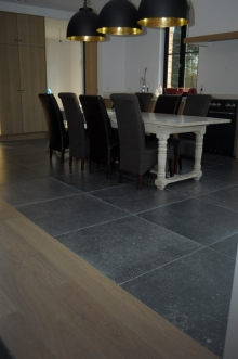 Tiles parquet and laminate at nijst natuursteen for Carrelage pierre bleue prix