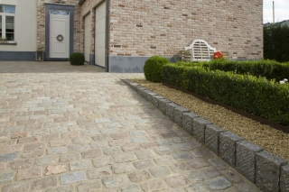 In addition to providing a finish for residences, paving setts are also suitable for laying down streets, footpaths and car park surfaces.