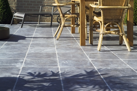 Discover our ceramic terrace tiles.