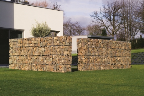 Install stone gabion walls the ideal fencing in your garden a stone gabion wall can be made to measure perfectly solutioingenieria Gallery