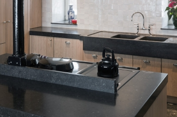 Discover all these options for your kitchen in our showroom and select from different types of natural stone.